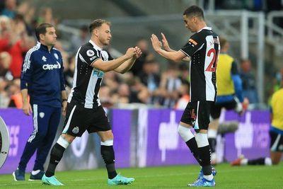 Newcastle empata con el Leeds de Bielsa