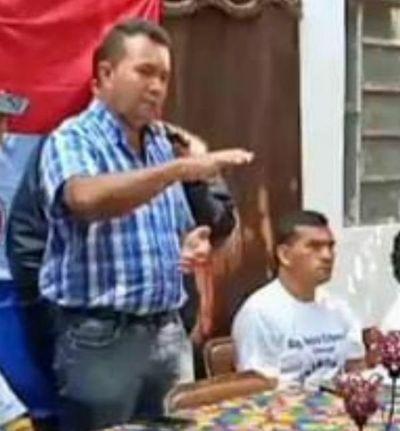 Marcial Lezcano pide número de cédula a ciudadanos y desconfían que es para fraude
