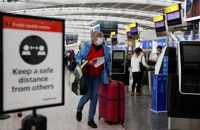 Reino Unido dejará de exigir test a viajeros inmunizados