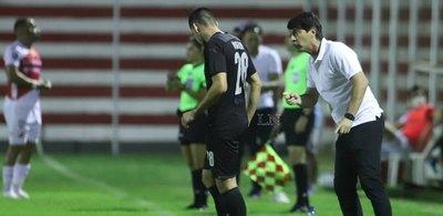 Garnero destaca la 'paciencia e intensidad' y reclama el estado del campo de juego