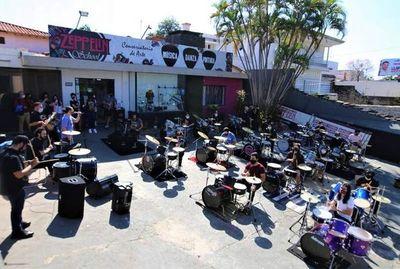 """""""BaterAsu"""" reúne hoy a 30 bateristas en la Plaza de la Democracia"""