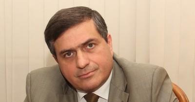 La Nación / Critican indiferencia de Fernández ante denuncias contra Prieto
