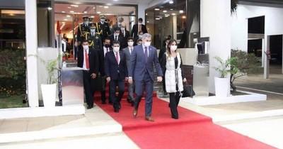 La Nación / Abdo participa de la Cumbre de Celac