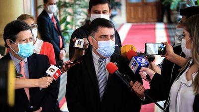 Vacunas: Acevedo y Borba  hablarán de Covax en Ginebra