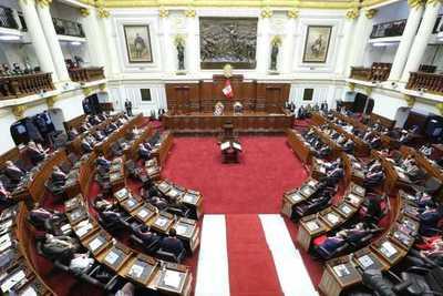 El oficialismo peruano presenta proyecto para reducir el sueldo de funcionarios