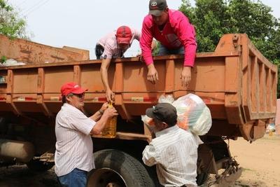 Unas 1.500 familias de pescadores de Ñeembucú recibieron kits de víveres