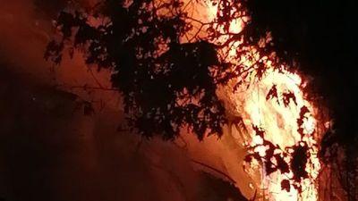 Familia denuncia que bomberos no quisieron apagar incendio