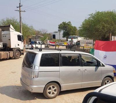 Prosigue protesta ciudadana con cierre de caminos en Fuerte Olimpo