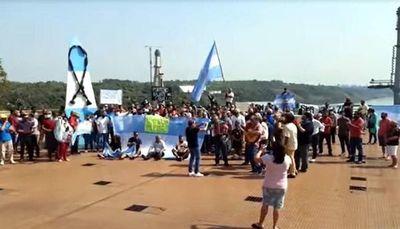Nueva manifestación para exigir la reapertura del Puente Tancredo Neves, en la Triple Frontera