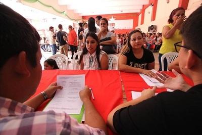 Invitan a jóvenes a participar de feria de empleos en la ANR