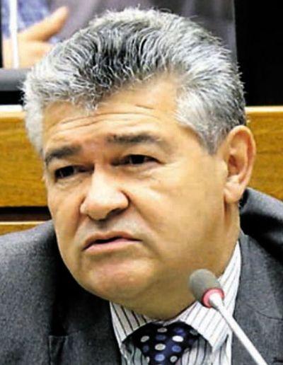 Diputado cuestiona proyecto que dispone sanciones a quienes no votan ni pagan la multa correspondiente