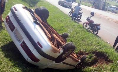 Adelantamiento imprudente de un camión causa violento accidente