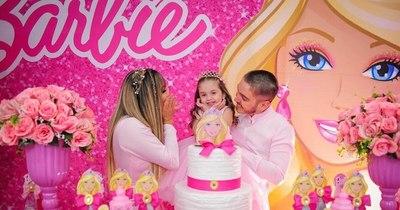 La Nación / Marilina Bogado y Will Fretes festejaron un cumpleaños más de Melody, la hija de ambos