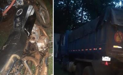 Joven motociclista muere tras chocar contra un camión