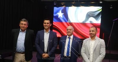 """La Nación / Villar y Díaz presentaron las """"Historias de Fútbol"""""""