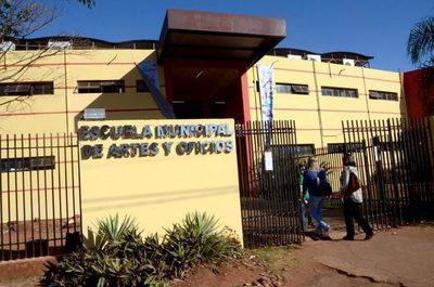 CDE: trasladan vacunatorio peatonal a la Escuela de Artes y Oficios