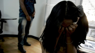 Rescatan a menor de 14 años de prostíbulo y aprehenden a seis personas