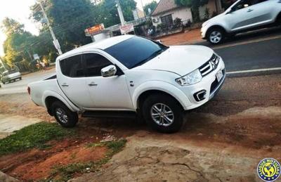 Ladrones hurtan camioneta del patio de una casa en Luque •