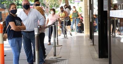 La Nación / Desde hoy ofrecen casi 800 puestos laborales