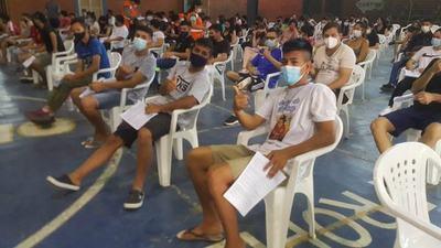 COVID-19: Inicia vacunación de personas de 18 años y sanatorios privados reclaman deuda al Estado