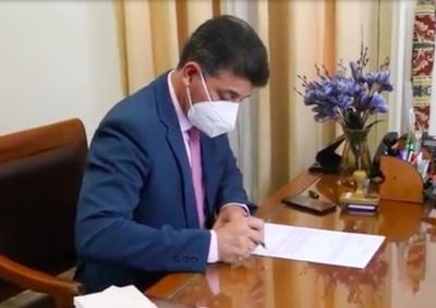 Víctor Ríos se inscribió para pelear un puesto en la Corte