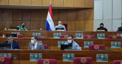 La Nación / Recibieron al senador Arévalo en la Comisión Anticontrabando del Senado