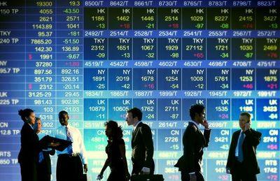 Acciones en EEUU registraron mayor caída en 4 meses e inversores aprovechan precios bajos