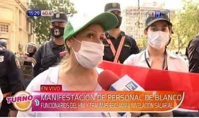 Unos 950 trabajadores de la salud exigen ser recategorizados