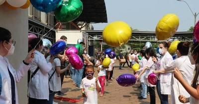 La Nación / Niños curados de cáncer vuelven a soñar y celebran la vida con una fiesta en Clínicas