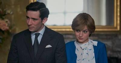 """La Nación / Netflix arrasa en los Emmys con """"The Crown"""" y """"The Queen's Gambit"""""""