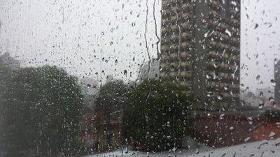 Anuncian martes fresco con lluvias e ingreso de frente frío