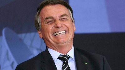 La respuesta de Bolsonaro a Boris Johnson tras sugerirle la vacuna de AstraZeneca