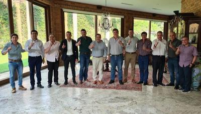 Intendentables del Este reciben respaldo de Horacio Cartes