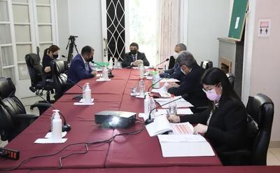 Paciello aclara que no están analizando tesis de candidatos a la CSJ