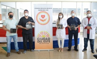 Comuna esteña entrega monitores reparados al Hospital del IPS