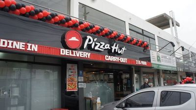 Pizza Hut abre local en Ñemby