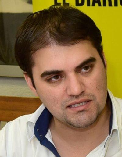 Candidato a intendente de San Lorenzo denuncia a ex jefe comunal por varios delitos