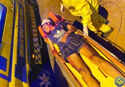 Cliente arrastró 500 metros con la moto a trabajadora sexual y fue frenado a golpes •