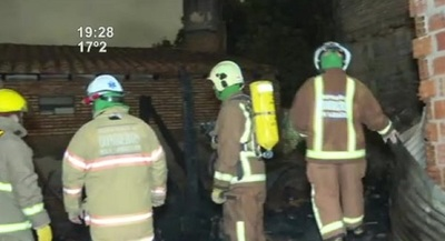 Dos viviendas incendiadas: Rescataron a un niño