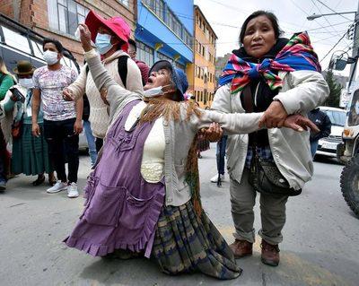 El conflicto entre cocaleros bolivianos se agudiza con detenidos y heridos