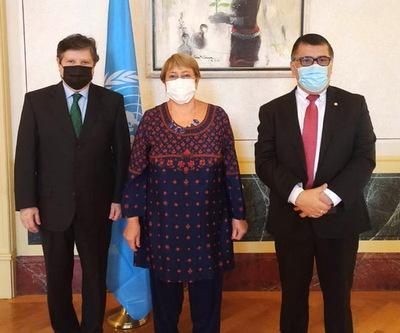 Canciller tocó temas de alta sensibilidad local con Michelle Bachelet en la ONU