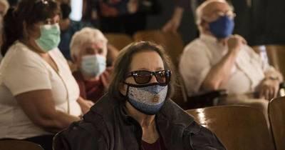 La Nación / Argentinos dejarán de usar mascarillas en espacios al aire libre