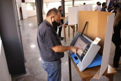 A poco de las municipales, definen si multan por no votar