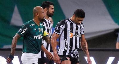 Con Gómez y Alonso, Palmeiras y Mineiro empatan por la Semifinal de la Libertadores