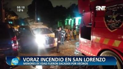 Voraz incendio de vivienda afectó a dos familias en San Lorenzo