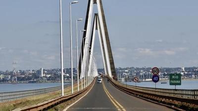 Sector turístico, cauteloso ante anuncio de Argentina sobre reapertura de fronteras