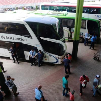 Apertura de frontera argentina reactivará laboralmente a 200 conductores de buses internacionales suspendidos