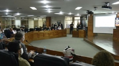 Junta de Asunción posterga nuevamente el tratamiento del pedido de aumento salarial de funcionarios