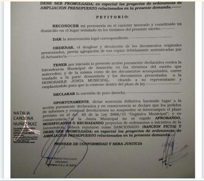 Intendencia de Asunción presentó una acción judicial para forzar el aumento salarial