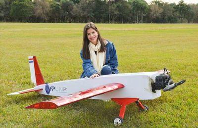 Paraguay ya tiene a su primera mujer egresada como ingeniera en aeronáutica